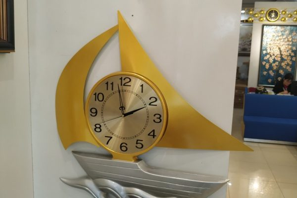 hình ảnh thực tế đồng hồ treo tường con thuyền