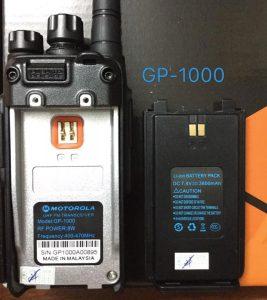 Thân máy và Pin bộ đàm GP-10003