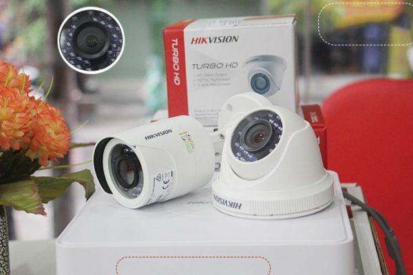 camera-quan-sat-2-mat-hikvision